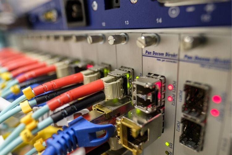 ¿Sustituirá el 5G a la fibra óptica? Te contamos más detalles