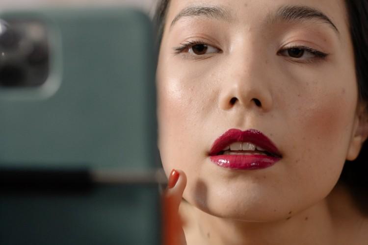 Cuáles son las ventajas y los beneficios del aumento de labios con ácido hialurónico
